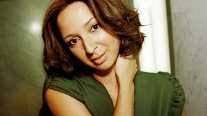 Saturday Night Live star Maya Rudolph is daughter of singer Minnie Ripperton and music composer Richard Rudolph