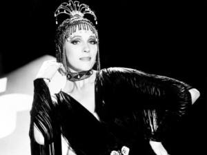"""Julie Andrews in her starring role in """"Victory Victoria"""""""