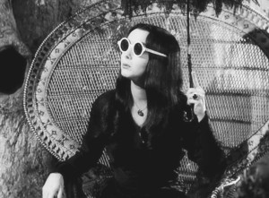Carolyn-Jones-as-Morticia-Adams